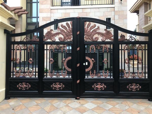 深圳高尔夫张总别墅铝艺大门、铝艺护栏智慧选择帝景园护外铝艺产品